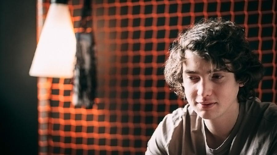 Dan Owen in einem Zimmer der Superbude St. Pauli